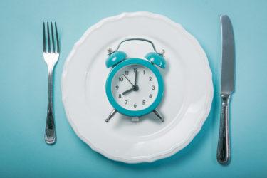 断食の健康上の8つの利点