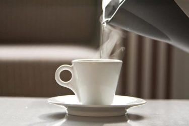 白湯を飲むことの10の利点